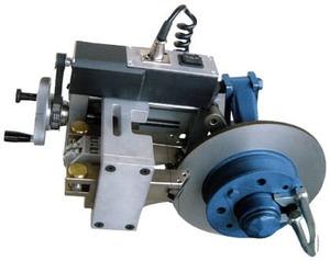 Станок для проточки тормозных дисков легковых автомобилей Comec TD302.TRI