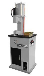 KraftWell KRW300S Станок для наклепки накладок на тормозные колодки (пневмо)