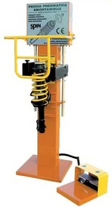 Пресс для демонтажа/монтажа пружин многорычажных подвесок TopAuto SS0010Kompact3000