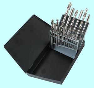 "Набор резьбонарезной из  9 метчиков М3-М12 Р18 и  9 сверл d2.5-d10.3 Р18 в мет. коробке ""CNIC"""