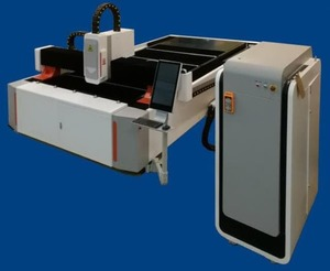Оптоволоконный лазерный станок для резки металла LTT LF-3015 - 1500