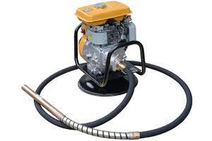 Бензопривод к глубинному вибратору и водяной помпе ТСС БП-2.7