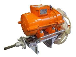 Вибратор тисковый для опалубки ИВ-448-03 (ИВ-99Е/220В/0,5кВт/50Гц/3000об/мин/к5м/УЗО) 045-0138-1