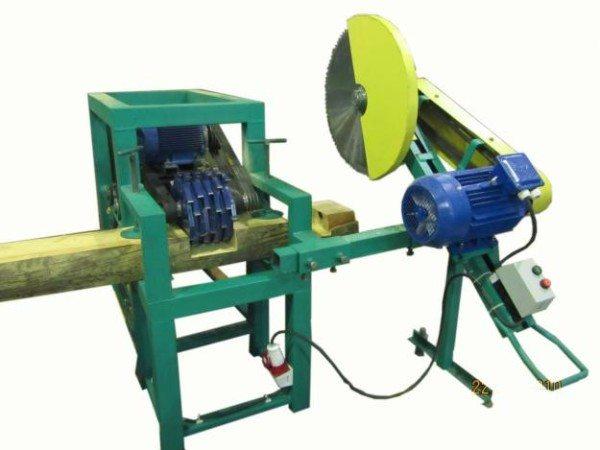 Промышленный станок для обработки деревянных деталей