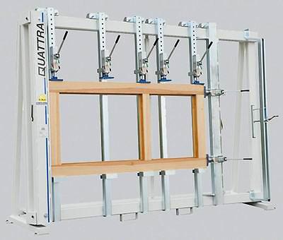 Рис. 7. Вайма для сборки рамочных конструкций с ручными гидроприжимами