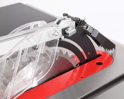 BELMASH TS-250R - 220V Безопасность использования На расклинивающем ноже установлена когтевая защита от обратной отдачи и отброса заготовки